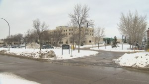 Recruiters from an American medical facility land in Winnipeg searching for nurses looking for jobs