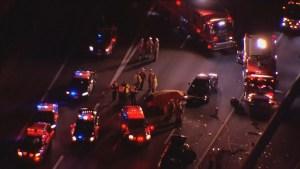 1 dead after 5 vehicle crash on Highway 401 in Mississauga