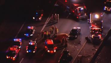 1 dead after multi-vehicle crash on Highway 401 in Mississauga