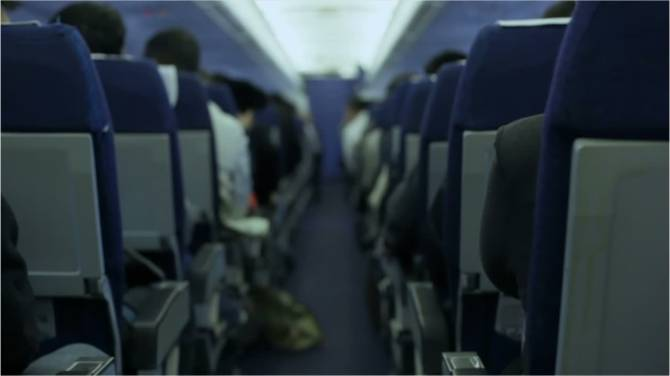 Seated next to someone 'smelly' on a plane? Over half of Canadians would ask to move