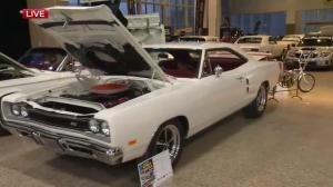 Piston Ring's World of Wheels celebrates Jets with special whiteout