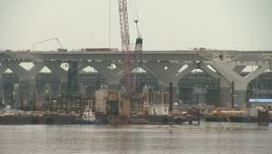 Will the new Champlain Bridge be finished on time?
