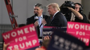 Sean Hannity takes the stage at final midterm Trump rally in Missouri