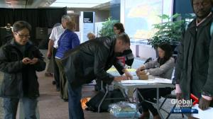 Advance voting draws big crowds in Calgary's 2017 municipal election