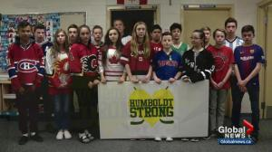 Calgarians wear jerseys to support Humboldt
