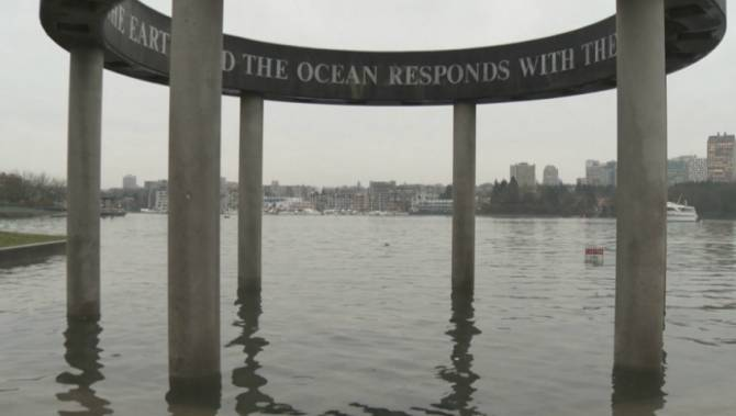 Dramatic photos flood social media as King Tide 'sinks' Vancouver