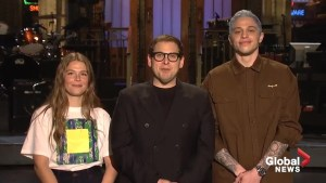Pete Davidson proposes to Maggie Rogers on 'SNL' promo