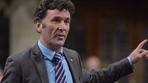 Former MP Paul Dewar dies after battle with brain cancer