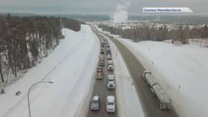 Hundreds of trucks roll through Whitecourt pro-pipeline convoy