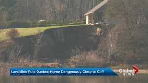 Landslide puts Quebec home dangerously close to cliff