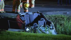 Man in critical condition after ejected from car rollover in Chateauguay (01:11)