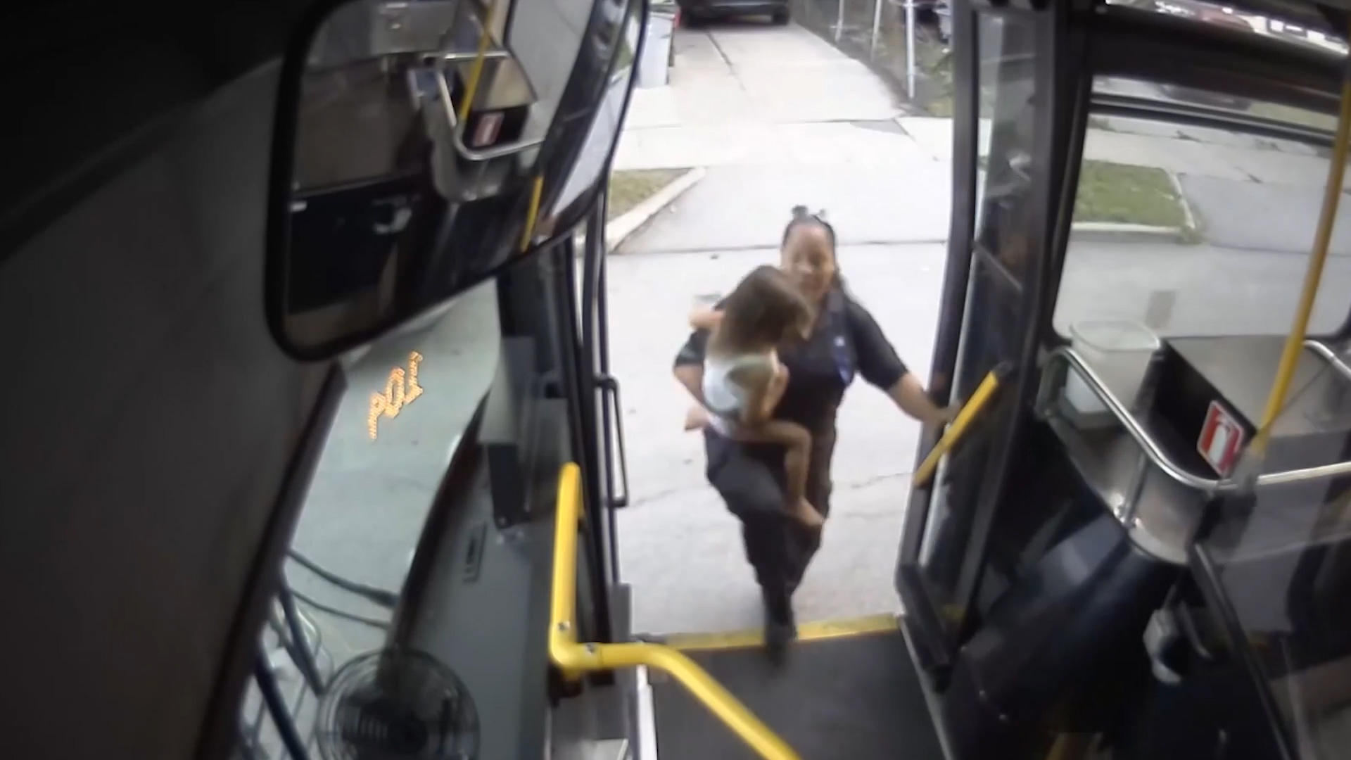 U.S.  bus driver rescues child found wandering barefoot