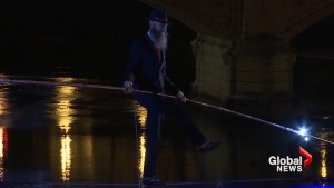 Italian performer dazzles, becomes first high-wire act to cross the Tiber
