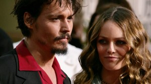 Vanessa Paradis, Johnny Depp's ex, says he is not physically abusive in a handwritten letter