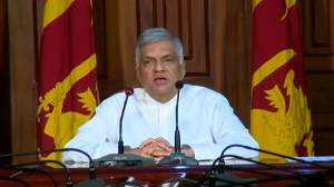 Sri Lankan PM says government to look into why adequate security precautions not in place (00:42)