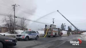 Ottawa firefighters battle Nepean garage blaze