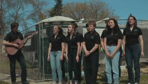 Winnipeg Youth Chorus: Building Hope in support of Habitat for Humanity (04:28)
