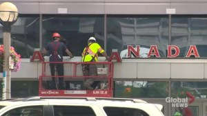 Crews remove sign from Air Canada Centre