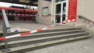 Man arrested after 1 killed, 3 wounded in German train station knife attack