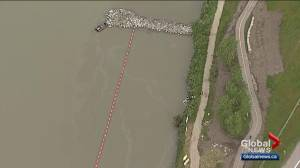 Calgary Fire Department, Alberta Environment investigate oil slick on Bow River