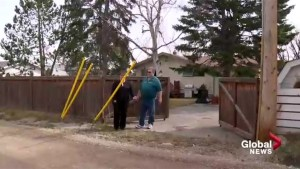 Calgary couple can use blocked driveway again after a Global News investigation