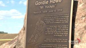 'It's so special': Gordie Howe's family honours Mr. Hockey's birthplace
