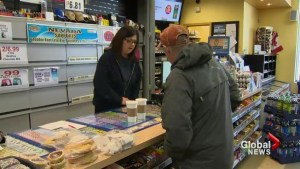 As Powerball hype surges in US, Canadians just beyond the border jump in