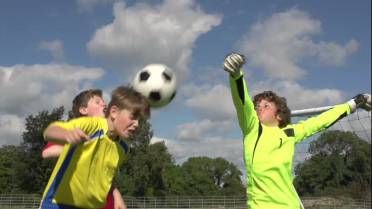 Can Soccer Headers Cause Brain Damage >> Heading Soccer Balls Can Lead To Cell Damage Ubc Study Globalnews Ca