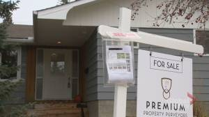 Tough times continue to plague Calgary and Alberta homeowners looking to sell (02:03)
