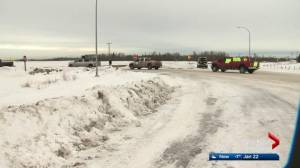 Pro-pipeline convoy of trucks circles Edmonton on Henday