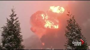 Train carrying crude oil derails in West Virginia