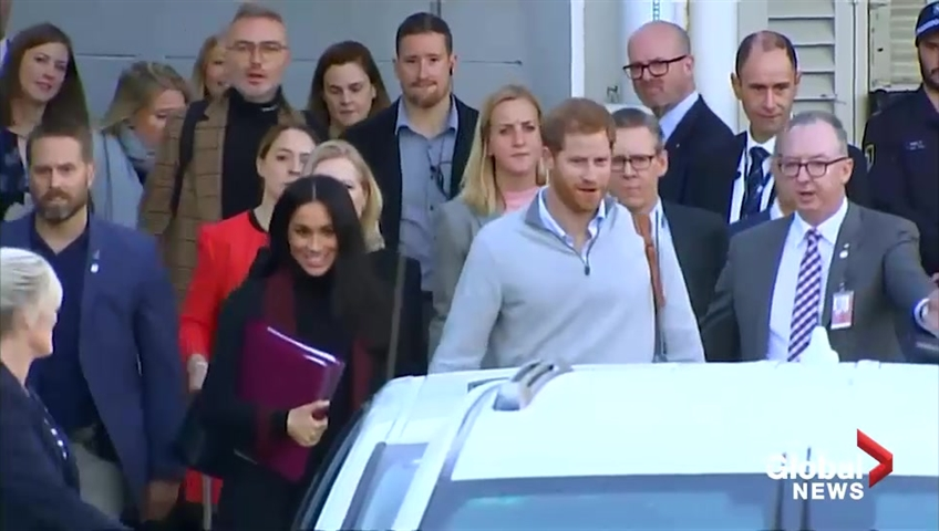 Meghan Markle shows off her baby bump in Australia