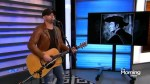 Tim Hicks honours Stompin' Tom Connors with a rendition of 'The Hockey Song'
