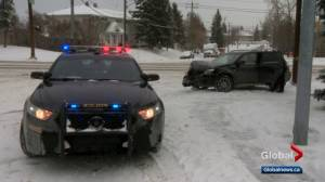 Calgary traffic: snow-covered streets slow Wednesday morning commute