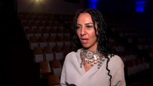 Fashion strategist speaks to Oshawa students about career journey.