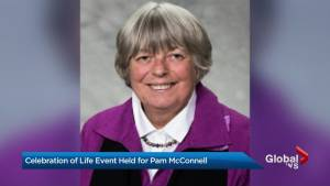 'She's there for everyone': Toronto remembers Councillor Pam McConnell (01:29)