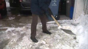 Shovel safely: How to dig out after wet, heavy snow hits Winnipeg