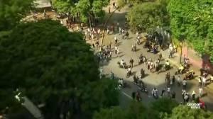 Venezuela: Guaido supporters break gates at La Carlota Air Base