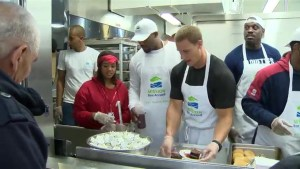 Montreal Alouettes serve up Thanksgiving dinner