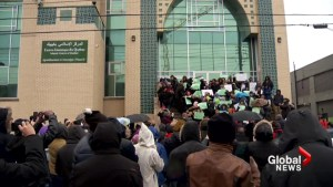 Montrealers shower Muslim community with love and support