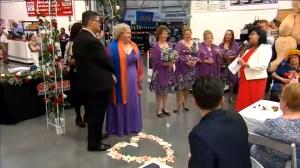 Australian couple tie the knot at Costco