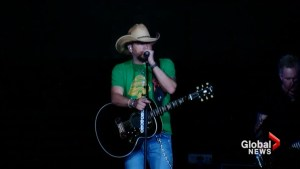 Jason Aldean returns to stage nearly two weeks after Las Vegas shooting