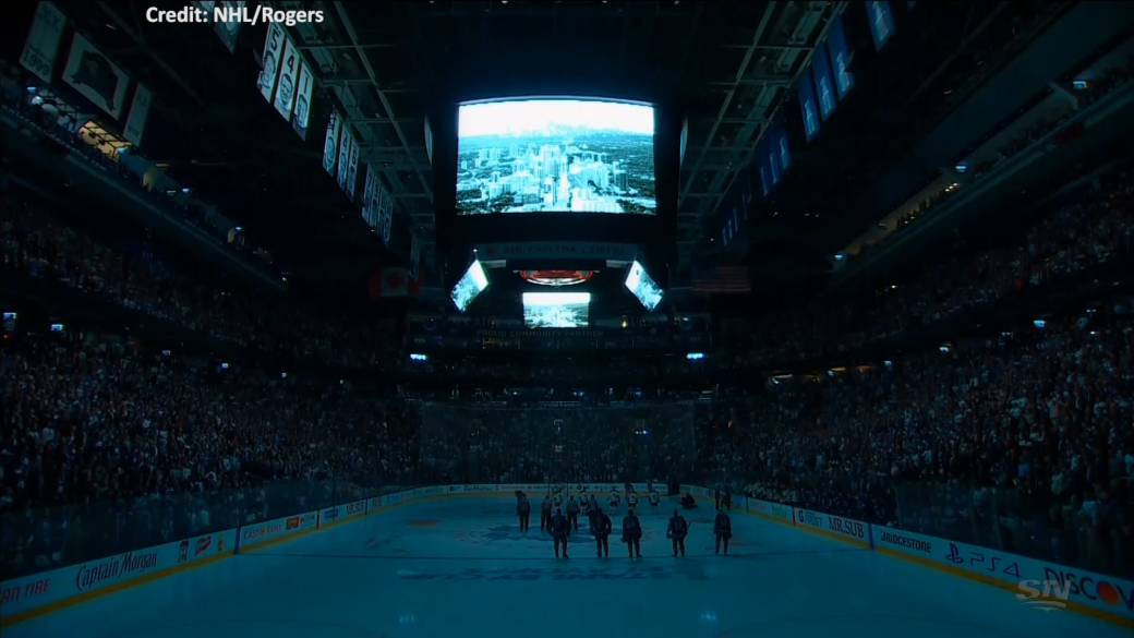 Maple Leafs hold moment of silence for victims of Toronto van attack