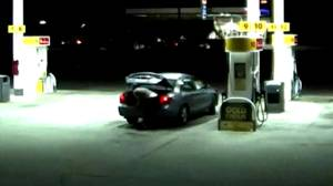 Caught on camera: kidnapping victim escapes from trunk at Alabama gas station