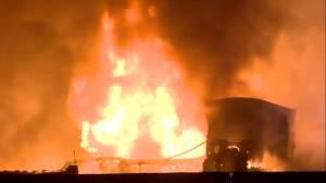 3 killed in fiery 14-vehicle pileup on Ontario Highway (01:55)
