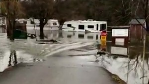 Trailer park left underwater after Ontario's Mississippi River swells