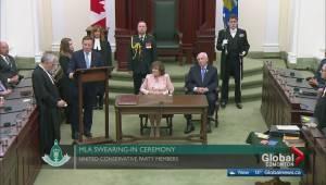 Committee of Alberta MLAs votes to cut own salaries (01:56)