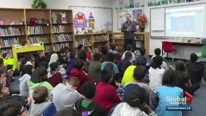 Global News Weather Specialist Mike Koncan teaches Winnipeg students about weather