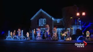 Quebec man's holiday lights display is drawing crowds