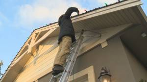 Okanagan residents to decorating their homes for Christmas earlier this year (02:08)